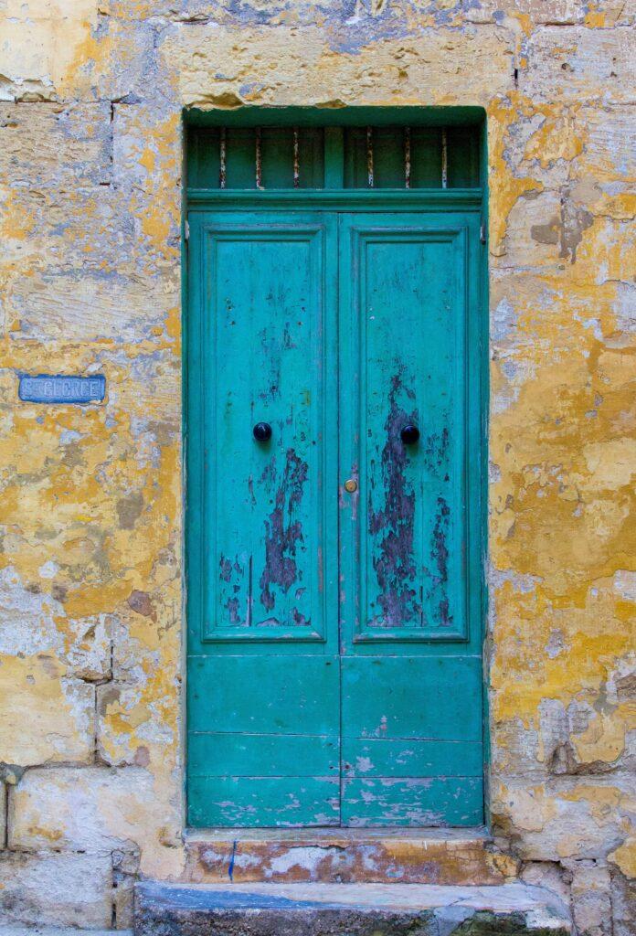Open de blauwe deur voor groei in je eigen bewustwordingsproces, boek een sessie bij Floortje-Flowing